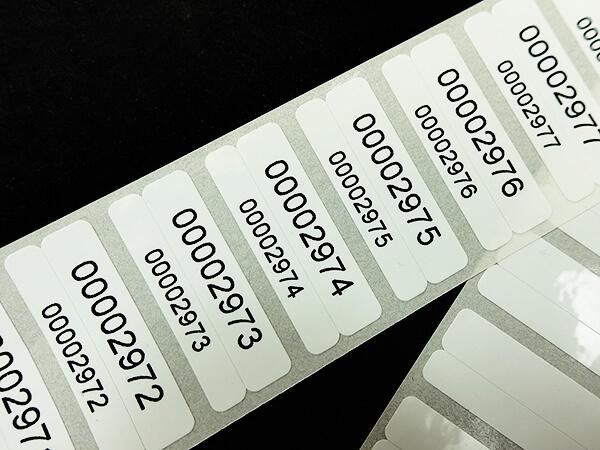 thermotransfer etiketten aus robustem kunststoff f r ihren. Black Bedroom Furniture Sets. Home Design Ideas
